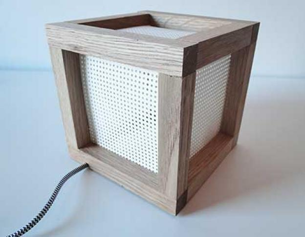 Build a DIY cube lamp from wood