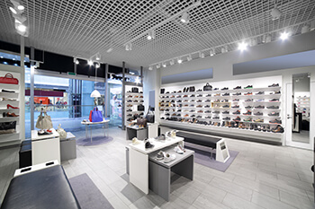 LED-rail-lights-in-retail